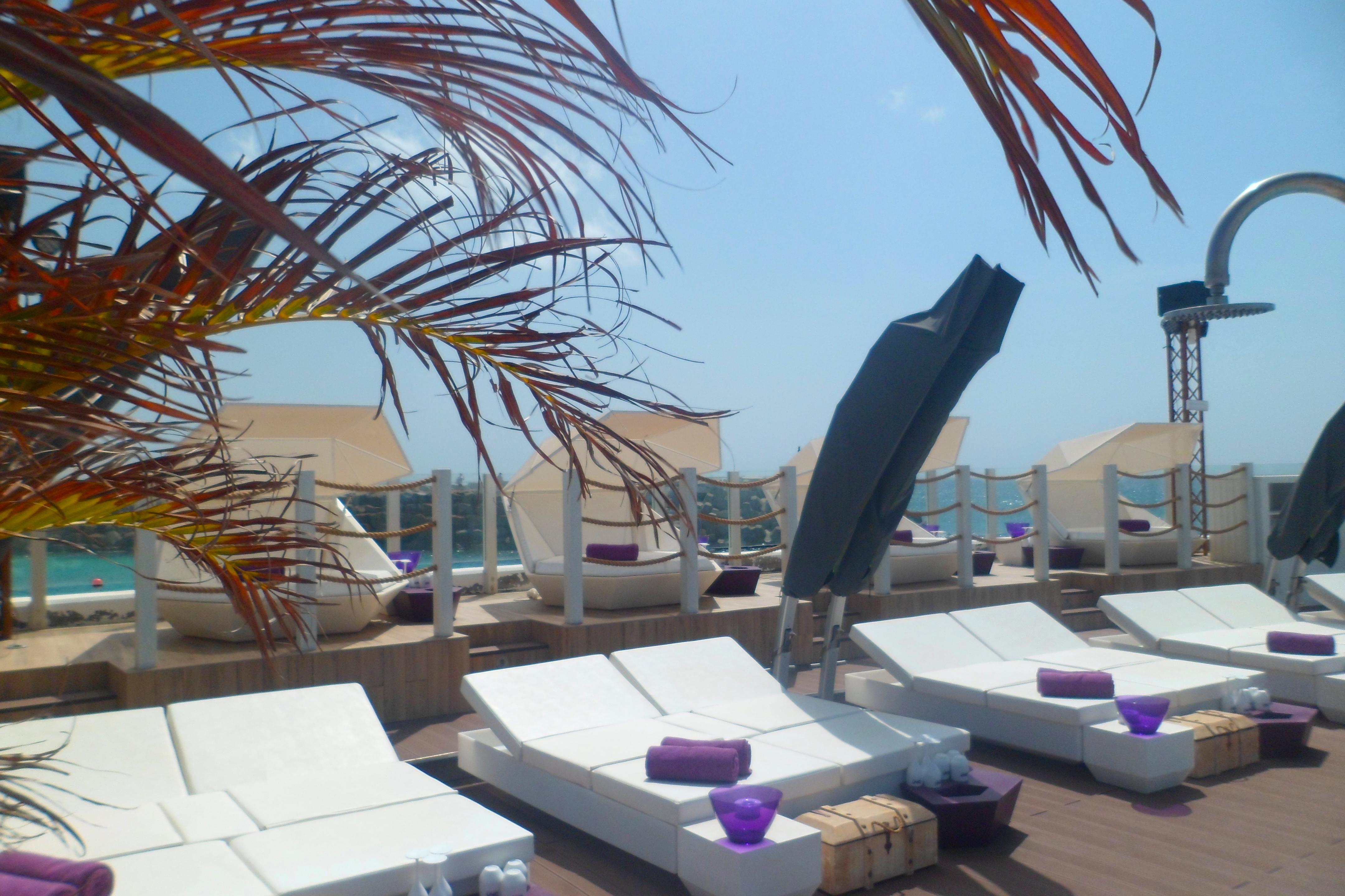 Bikini Beach Bar