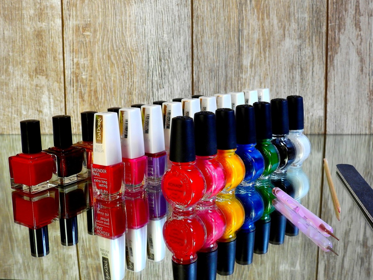 nail-varnish-2112351_1920