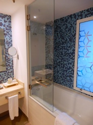 The bathrooms have those 'lovely' big glass windows in them again!!!!