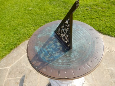 Kew Gardens London sun dial DSCN5749