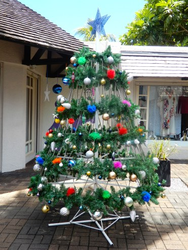 Mauritius Grand Baie cherrylsblog.com shopping Christmas DSCN0517