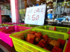 Mauritius Grand Baie shopping cherrylsblog.com DSCN8768
