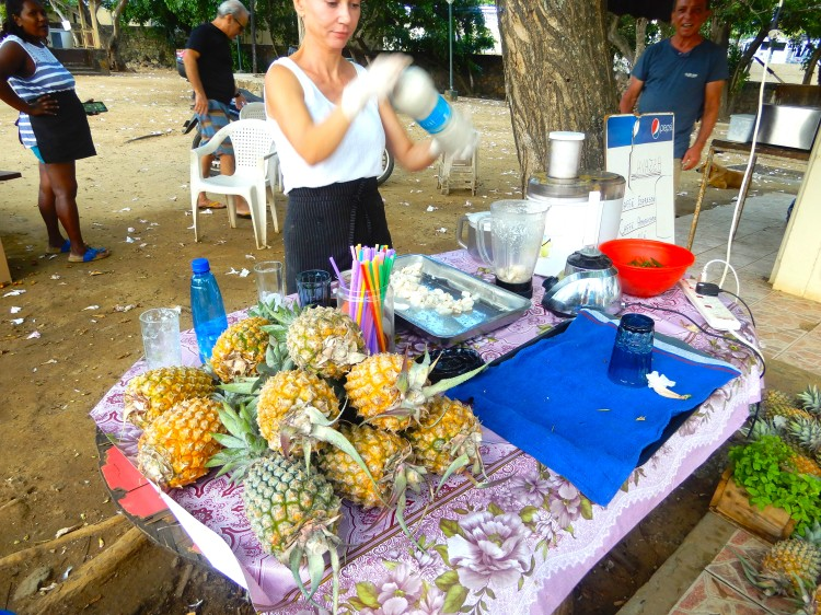 Mauritius fresh Lychee Juice Cherrylsblog.com DSCN8611